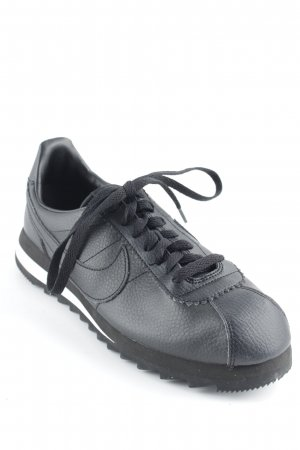 Nike Lace-Up Sneaker black-white casual look