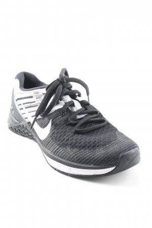 Nike Lace-Up Sneaker black-white color gradient athletic style