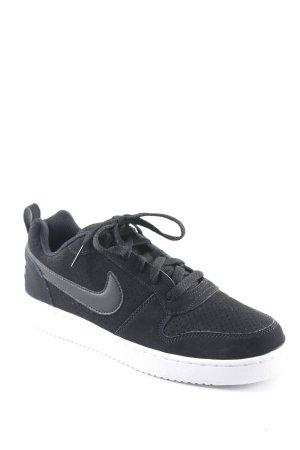 Nike Schnürsneaker schwarz-weiß Street-Fashion-Look