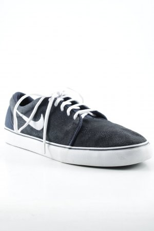 Nike Schnürsneaker weiß-dunkelblau Casual-Look