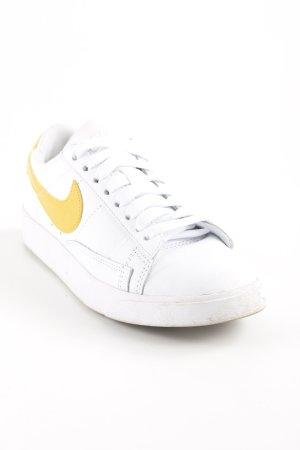 Nike Schnürsneaker weiß-dunkelgelb sportlicher Stil