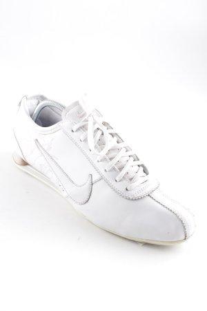 Nike Schnürsneaker weiß-rosa sportlicher Stil