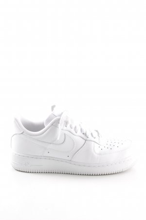 Nike Lace-Up Sneaker white street-fashion look