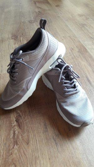 Nike Schuh  in eine schöne Sommer Farbe