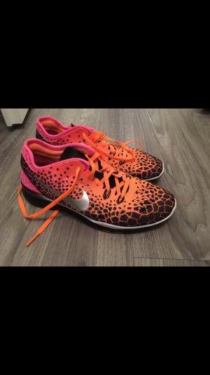 Nike Schuh Neonfarben