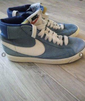 Nike Basket blanc-bleu clair daim