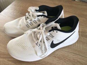 Nike Schuhe 38.5 Free Rub