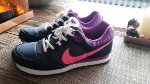 Nike Schuhe 38 Pink Schwarz