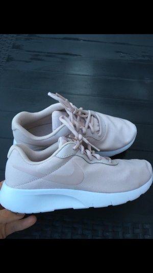 Nike Sneaker stringata rosa chiaro