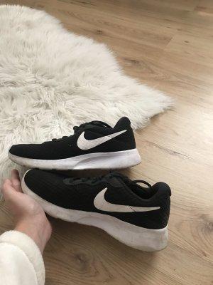 Nike Schuhe :)