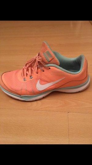 Nike Veterschoenen oranje