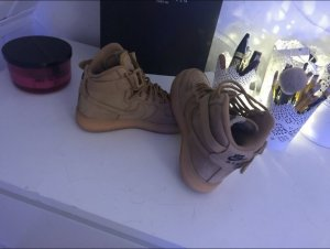 134dabe01ad6 Women s Sneakers at reasonable prices   Secondhand   Prelved