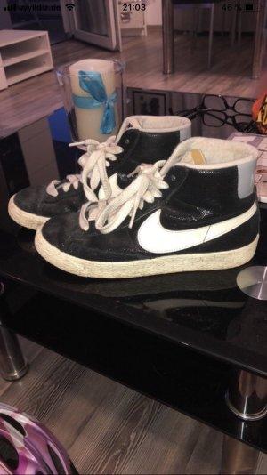 Nike Schuhe