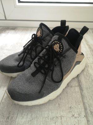 Nike Instapsneakers grijs-beige