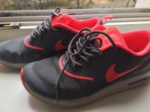 Nike Basket gris-magenta