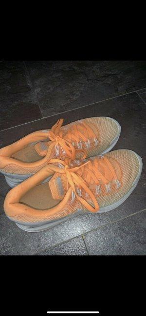 Nike Basket à lacet orange