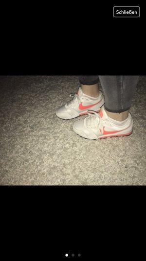Nike Schuhe Damen :)))