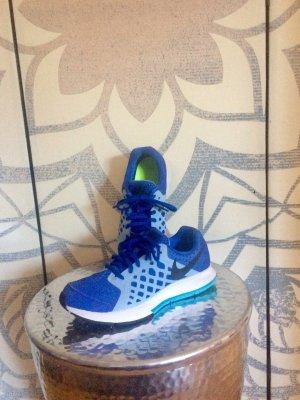 NIKE - Schuhe Gr 36