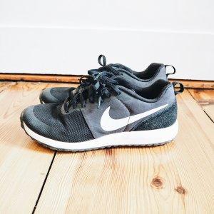 Nike Schuhe Gr.40,5