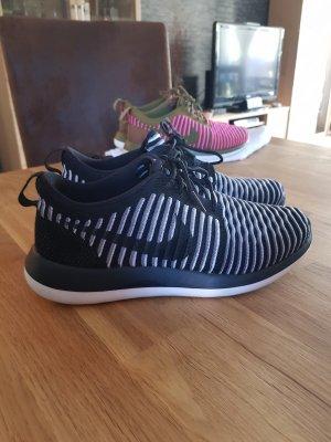 Nike Schuhe Gr. 40 ♡ schwarz-weiß ♡neuwertig