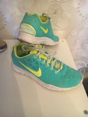 Nike Schuhe Größe 38,5