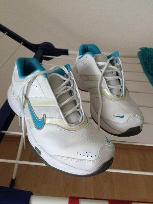 Nike Schuhe Größe 38