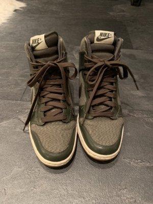 Nike Schuhe in Khaki, Keilabsätze, Größe 38
