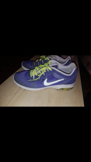 Nike Schuhe lila ,  sehr bequem