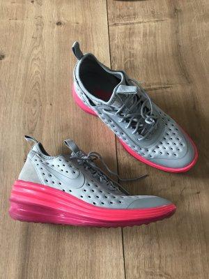 Nike Schuhe Sneaker Größe 39