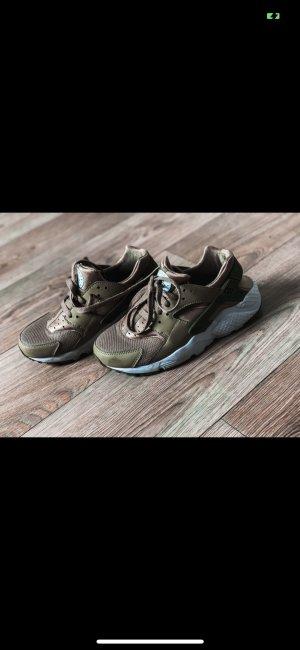 Nike Schuhe Sneaker Khaki Grün neu