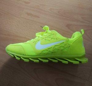 Nike Schuhe Sneaker Laufschuhe 39