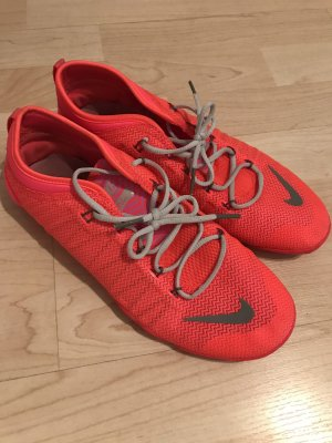 Nike Schuhe / Sneakers