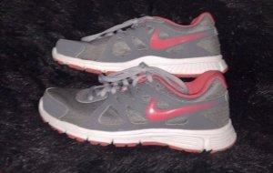 Nike Schuhe, Sportschuhe, Laufschuhe