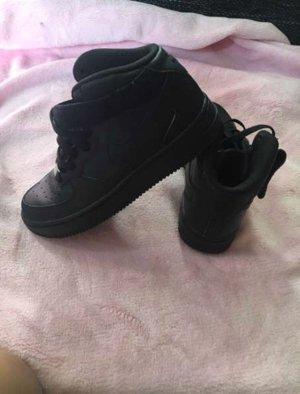 Nike schwarz