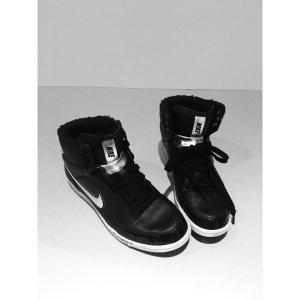 Nike - schwarz/ Silber, 1x getragen
