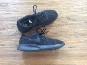 Nike schwarze Sneaker