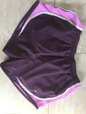 Nike Short / Sporthose lila