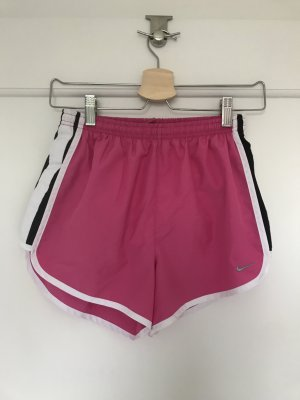 Nike Shorts in pink
