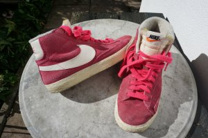 Nike Sneaker stringata rosa Scamosciato