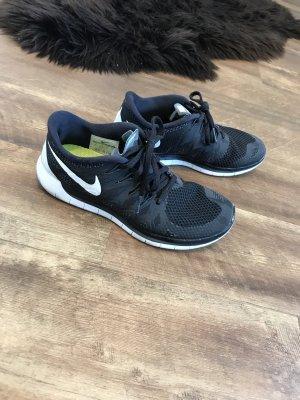Nike Sneaker 39 schwarz