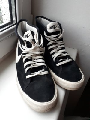 Nike Sneakers met veters zwart-wit Suede