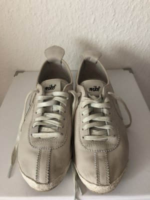 Nike Sneakers met veters licht beige