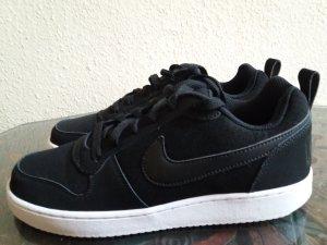 Nike Basket à lacet blanc-noir