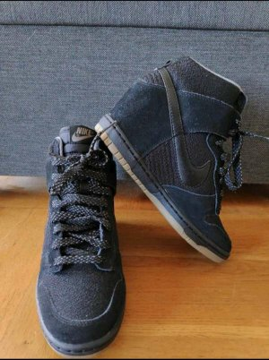 Nike Wedge Sneaker black