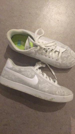 Nike sneaker Flower