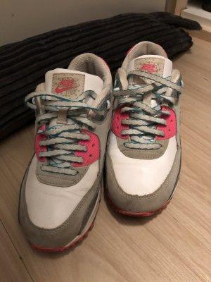 Nike Sneaker Gr. 36