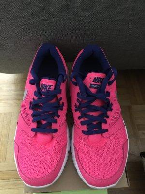 Nike Sneaker Gr 37,5.