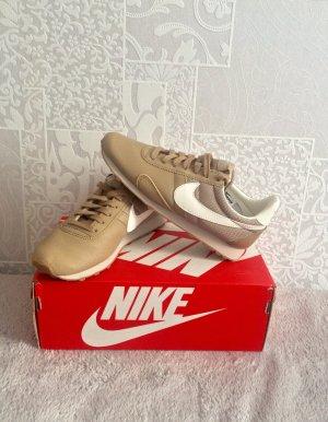 Nike sneaker gr. 37,5 neu