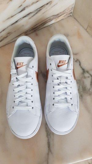 Nike Sneaker Gr.37,5 NEU