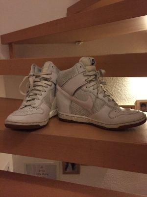 Nike Wedge Sneaker white